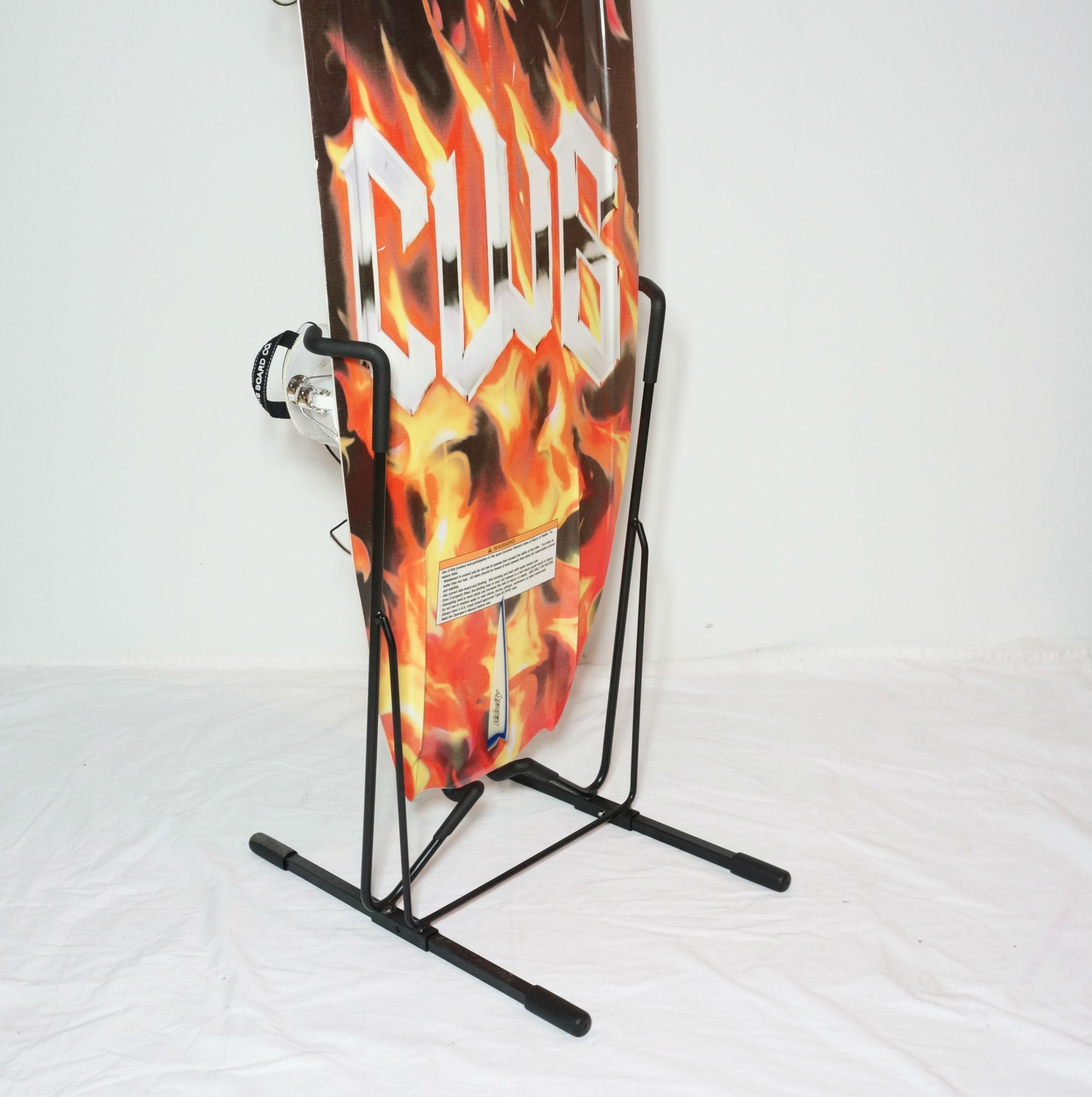 metal-floor-stand-for-wakeboard.jpg